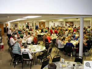 Dinner patrons at the 2014 Men's Club Chicken Bake